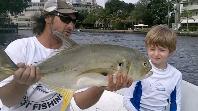 Inshore River Jack Fishing using Live Shrimp for Bait in Miami Florida