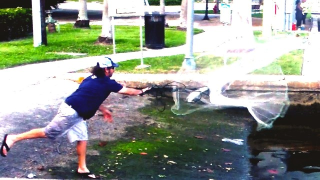 How To Throw A Cast Net At The Boat Ramp