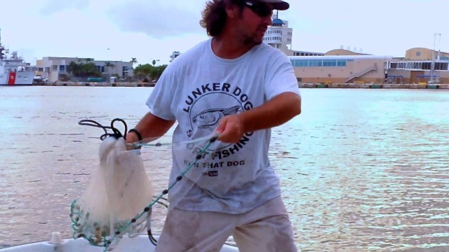 Learn To Throw A Cast Net One Handed Ninja Style