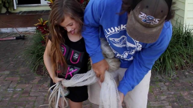 8 Year Old Girl Throws Cast Net